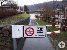 Der Norduferweg in Horb a. N. wurde aufgrund des Hochwassers gesperrt.