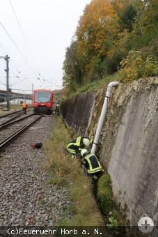 Zug entgleist Feuerwehr.JPG