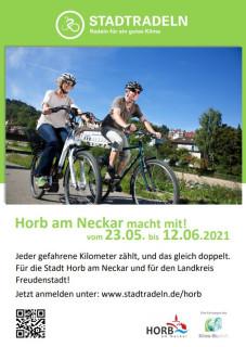 Fahrradfahrer in Horb mit den Informationen für das STADTRADELN 2021